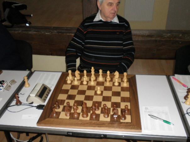 Lechtýnský zahájil 1. d4